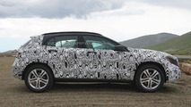 Latest 2014 Mercedes-Benz GLA spy photos show interior cabin