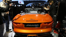 Jaguar F-Type with Firesand exterior and Black Design Packs live in L.A. 29.11.2012