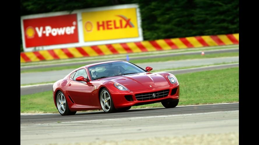 Trabalho chato: Schumacher faz test-drive da Ferrari 599 GTB HGTE em Fiorano - Veja fotos