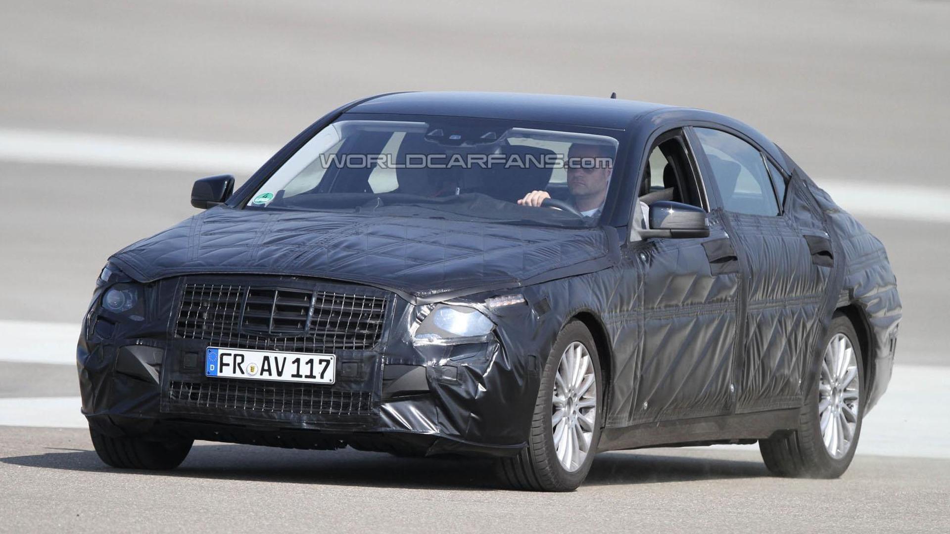 2013 Mercedes-Benz S-Class comes into focus