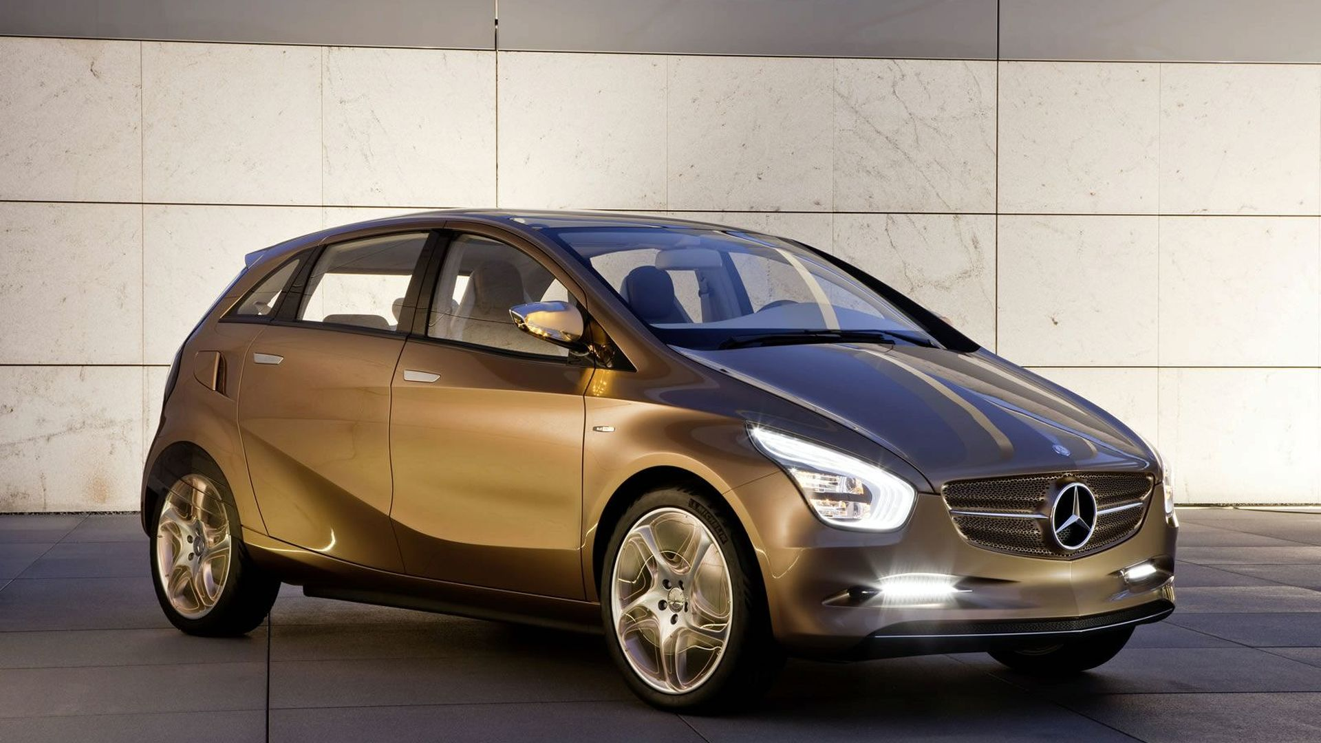 Daimler to Name Compact Car Partner in mid-2010