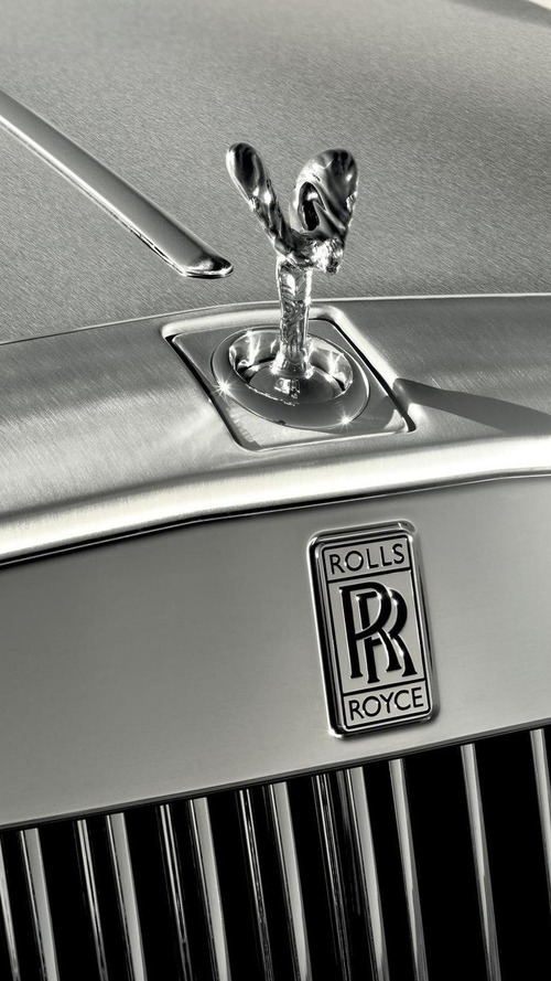 Rolls-Royce crossover officially announced