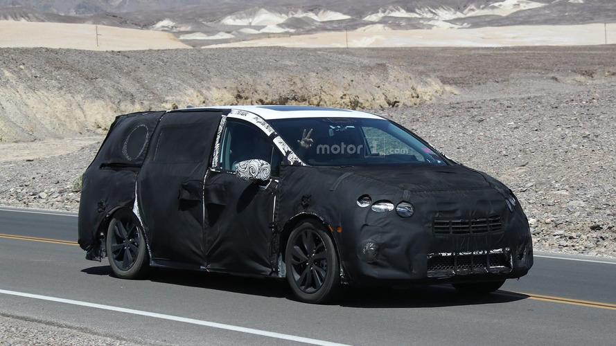 2017 Honda Odyssey prototype spy photos