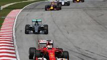 Ferrari pushing on for Mercedes title battle