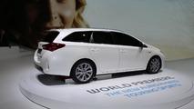 Toyota Auris Touring Sport live in Paris 27.09.2012