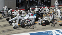 Felipe Massa, Williams FW37 makes a pit stop