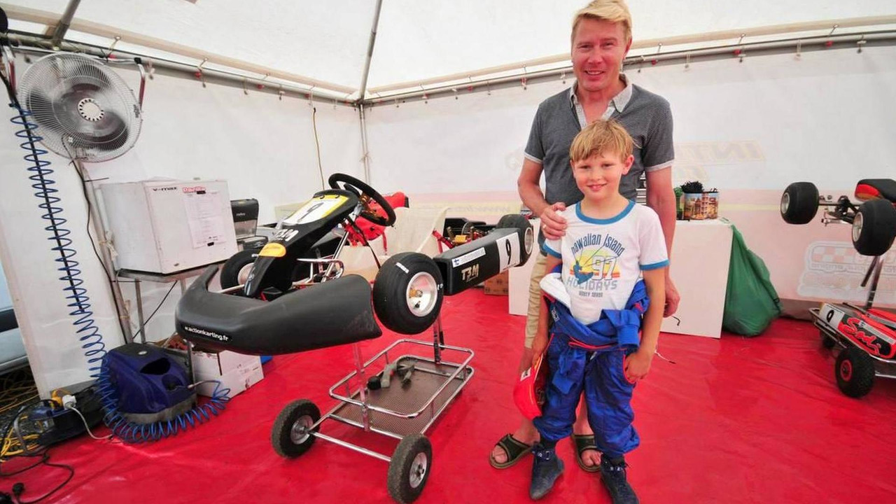 Mika Hakkinen and his son Hugo karting, 11.07.2009 Lot et Garonne, France