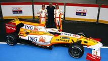 New Renault still yet to pass FIA crash tests