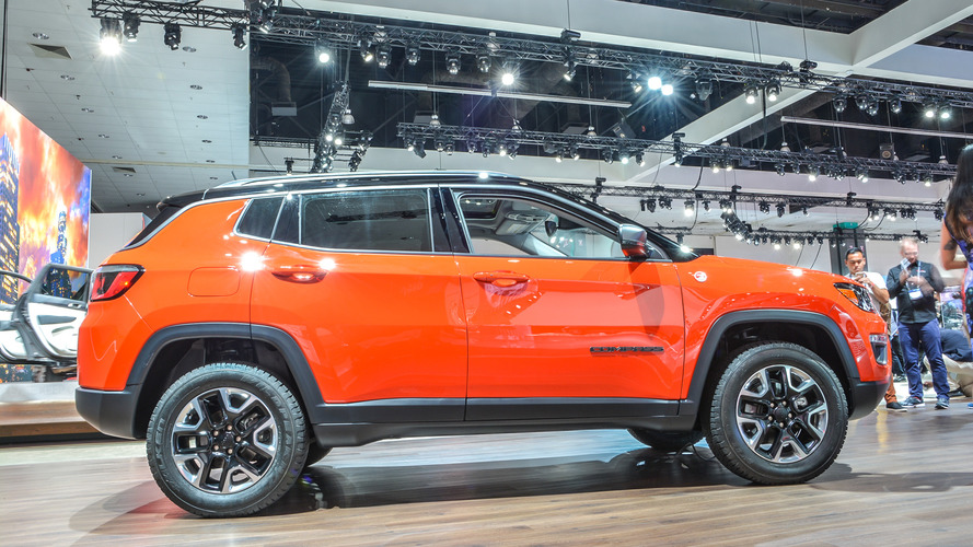 2017 jeep compass makes u s debut with 180 hp up to 30 mpg. Cars Review. Best American Auto & Cars Review