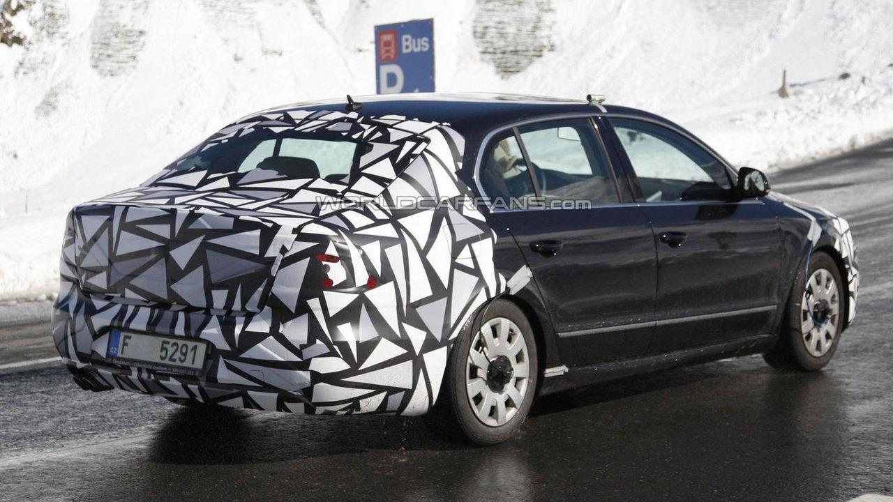 2012 Skoda Superb facelift spied 22.09.2011
