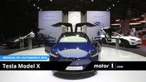 VIDEO - Tesla Model X, de l'électricité dans la Ville Lumière