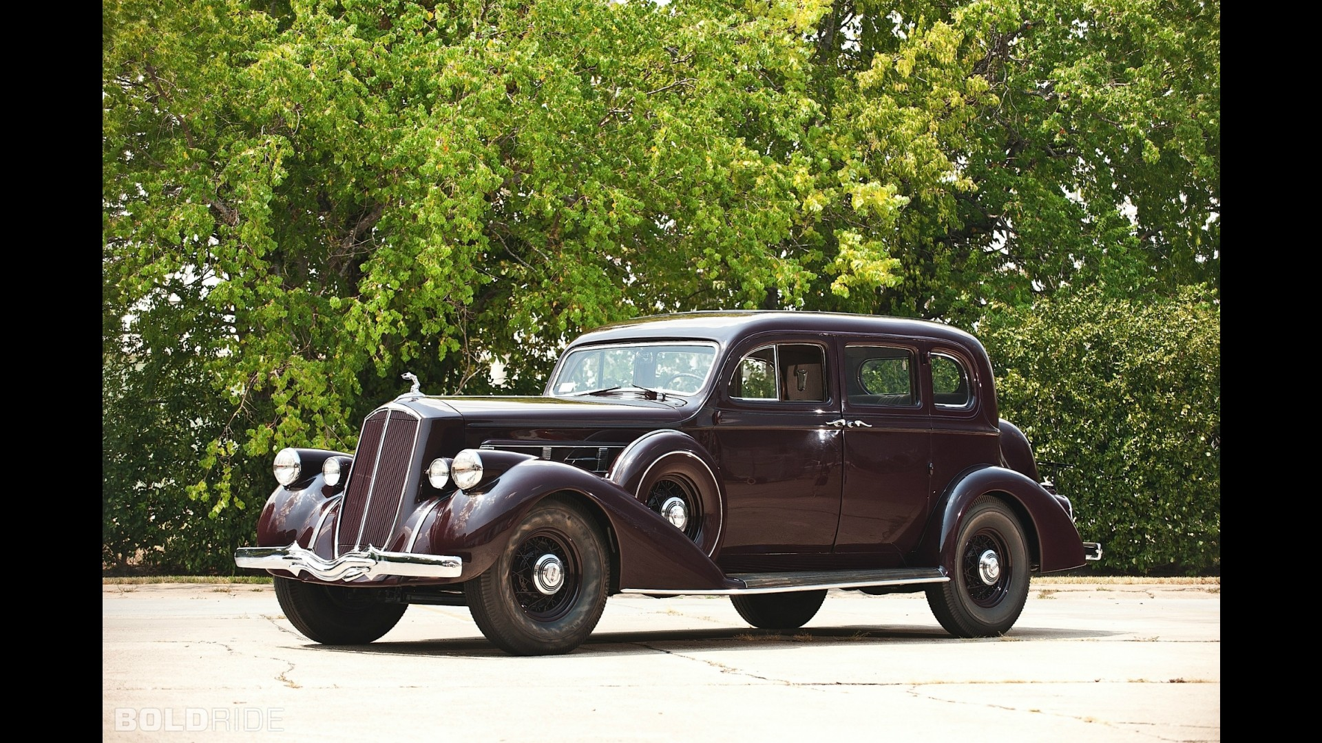 Pierce-Arrow Twelve 5-Passenger Sedan