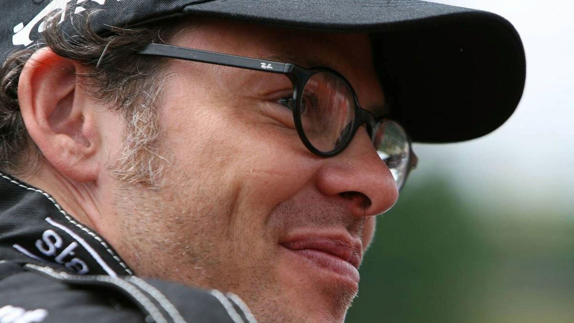 Villeneuve 'flattered' by Lotus F1 link