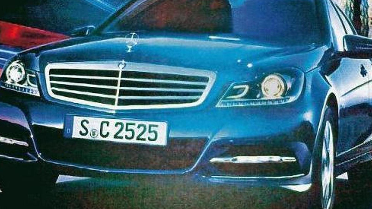 2011 Mercedes C-Class facelift leaked?