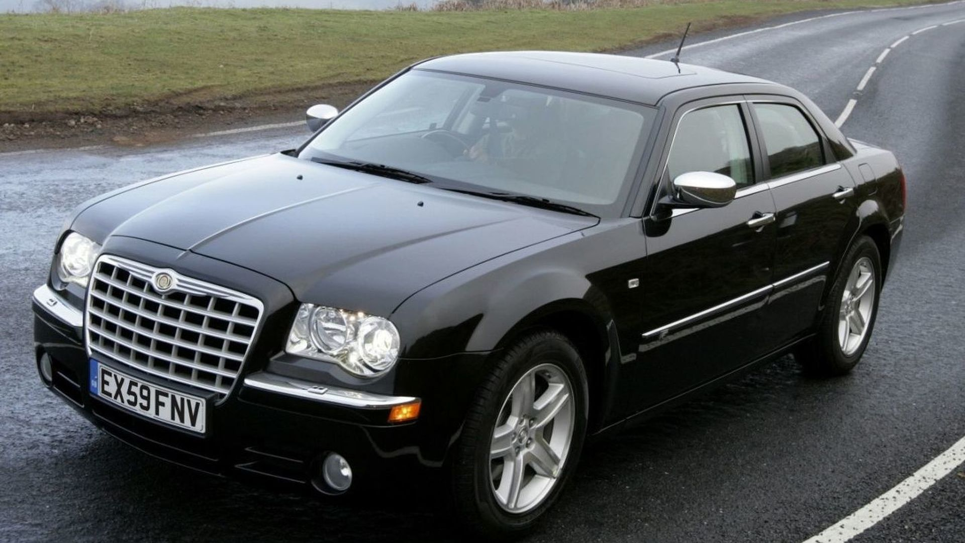 Chrysler 300C Receives Minor Updates for 2010MY [UK]