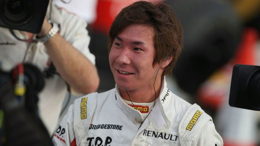 Kobayashi visits Sauber for seat fitting