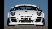 Porsche 911 GT3 R 2010 - Nova versão de corrida tem 480 cv
