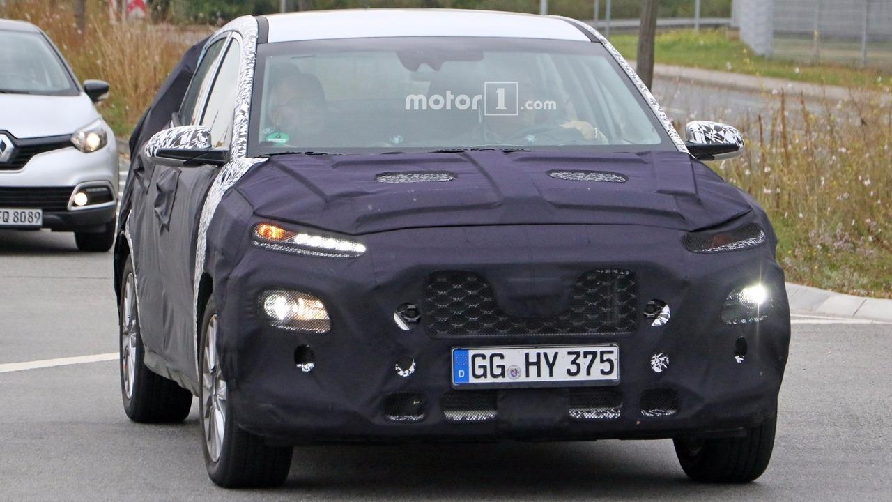 2018 Hyundai subcompact crossover spy photo