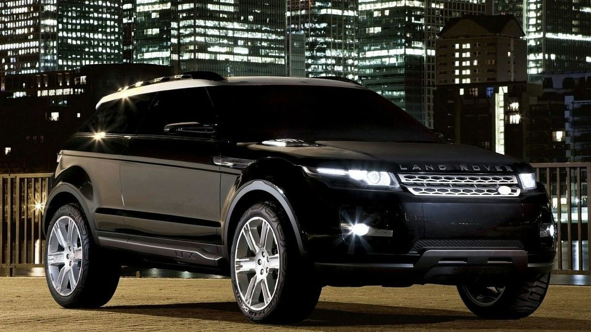 Land Rover Range Rover LRX Confirmed for Production