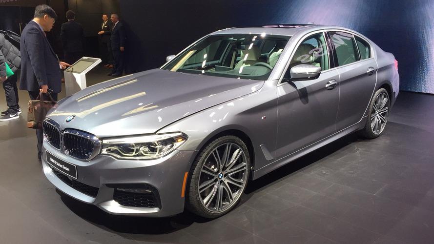 """No Brasil em maio, novo BMW Série 5 é premiado no """"iF Gold Award 2017"""""""