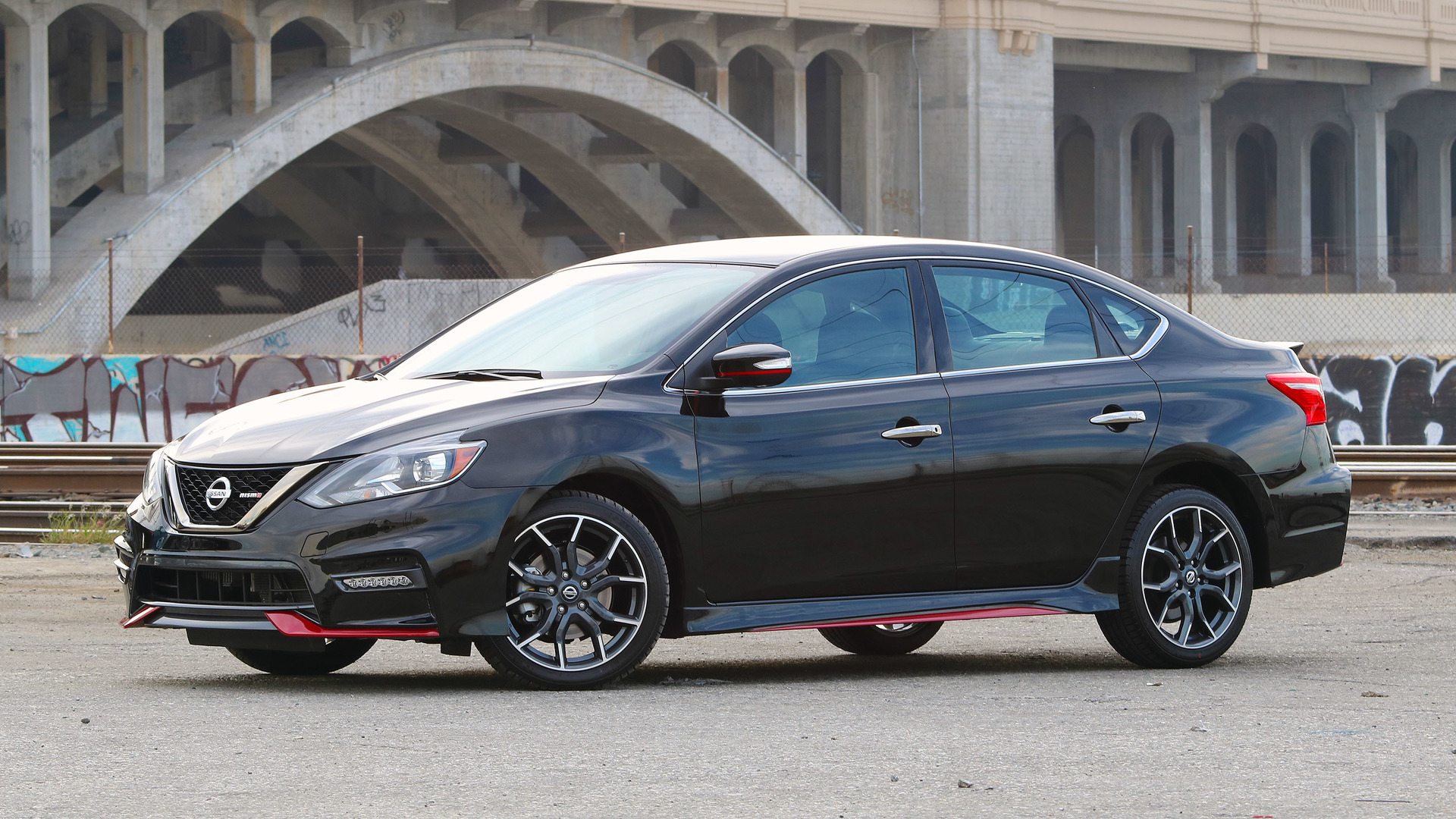 2017 nissan sentra nismo review the one we were waiting for. Black Bedroom Furniture Sets. Home Design Ideas