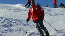Schumacher injured in skiing fall