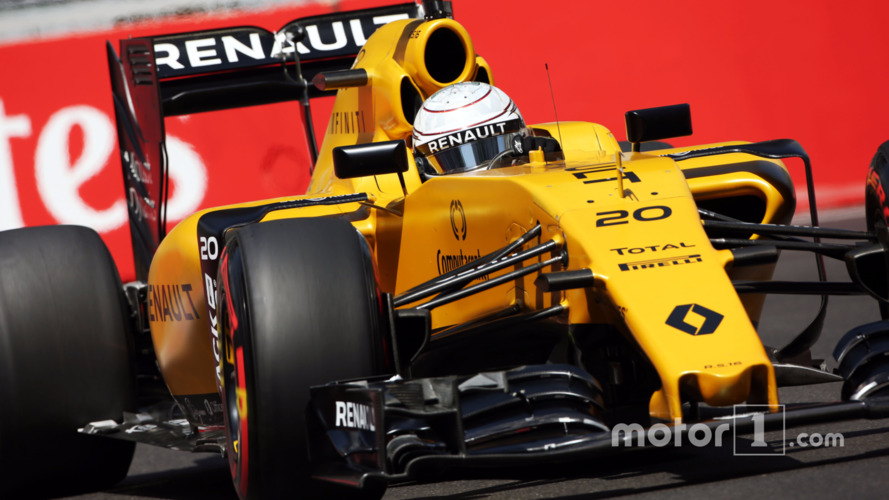 Renault faces dilemma over 2017 focus, says Prost