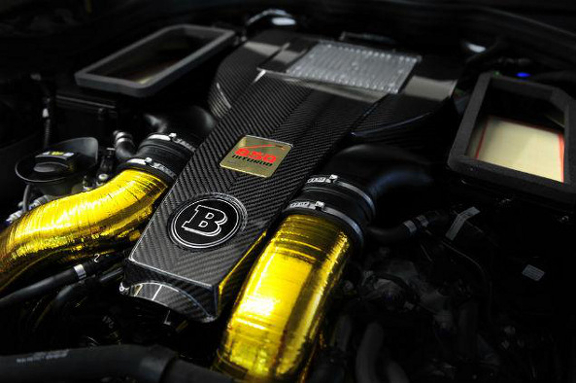 """217-MPH Brabus """"iBusiness"""" Is Fast-Paced Technology"""