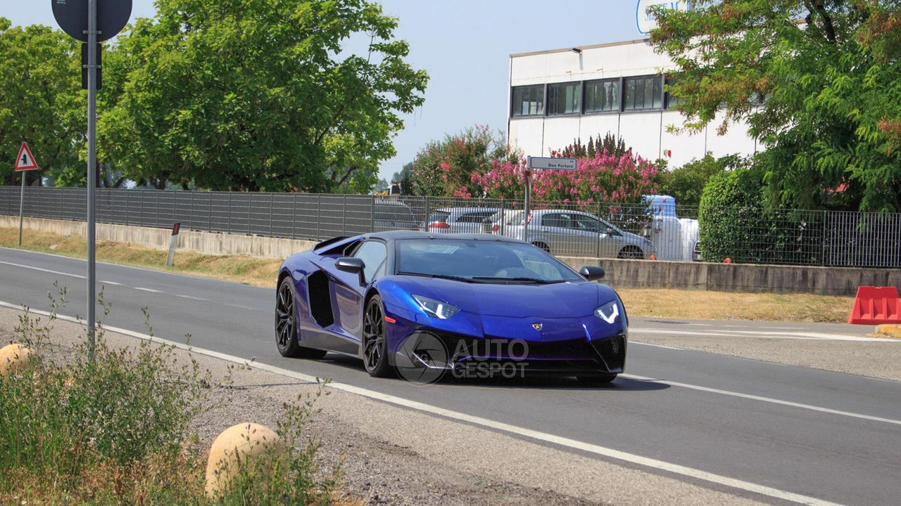Lamborghini Aventador SV Roadster spy photo