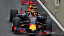 Pierre Gasly, Red Bull Racing RB12 Test Driver running the Halo cockpit cover