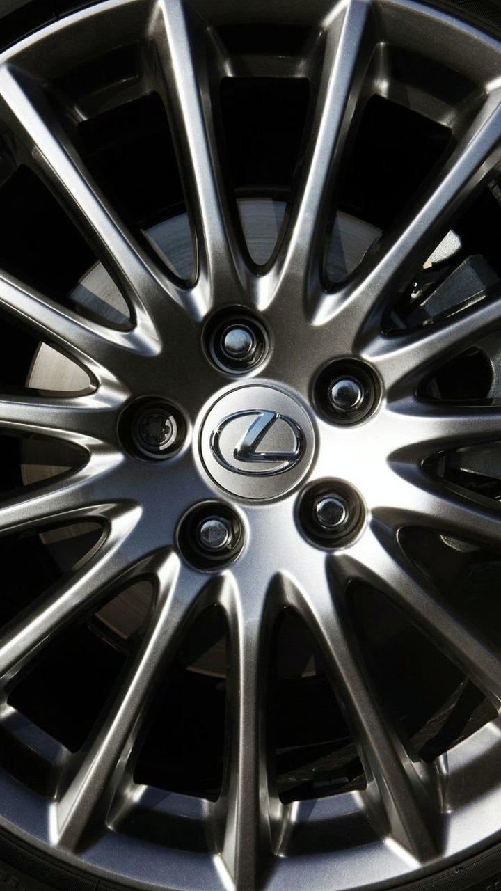 Lexus IS 250 F-Sport UK spec 09.03.2010