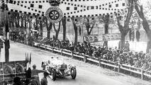 Historic victory: Rudolf Caracciola wins the Mille Miglia