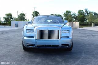 Rolls-Royce Phantom Drophead Feels Like Old Money: Review