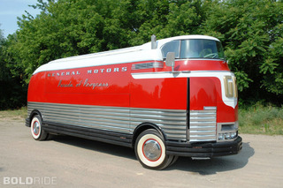 1940 GM Futurliner Proves Commercial Vehicles Can Have Style
