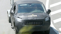 Peugeot 300 Spy Photo