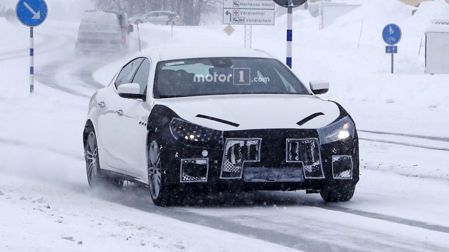 2018 Maserati Ghibli facelift looks upset by the spy camera