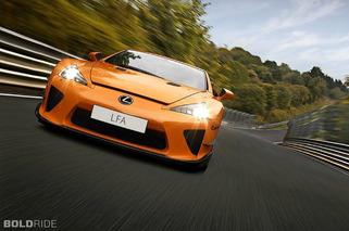 Lexus- Shaking that Alan Partridge Feel