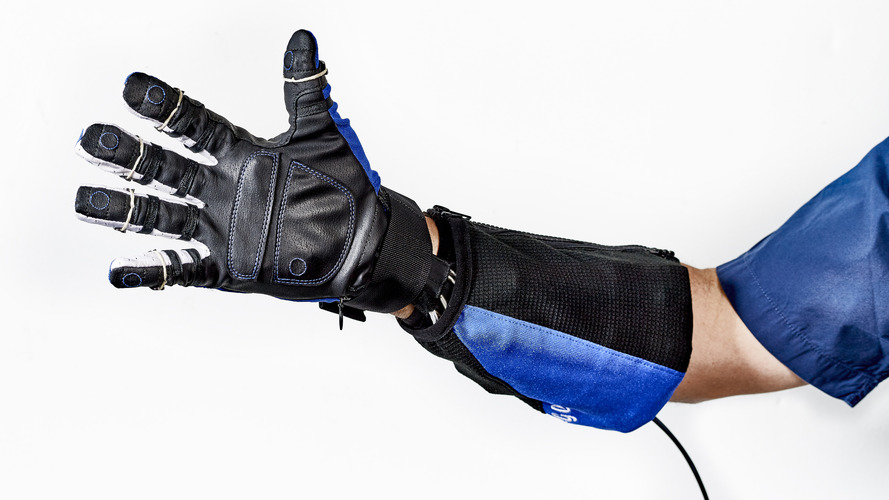 GM, NASA develop robotic glove for factory workers