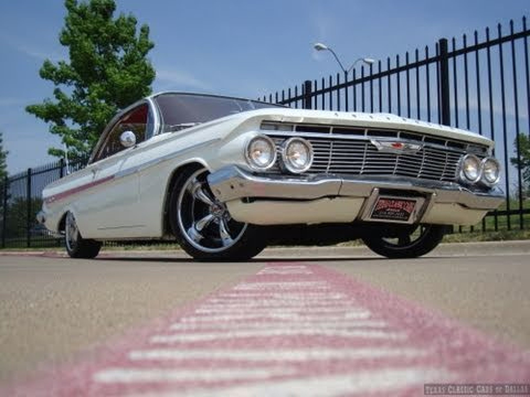 1961 Impala Bubbletop Cruizin' USA