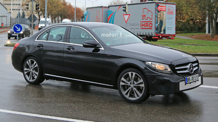 2018 Mercedes-Benz C-Class freshens up in new spy shots