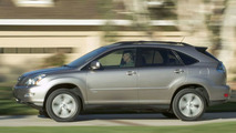 Lexus Enhances Hot-Selling RX 330 in 2005 with Special Edition