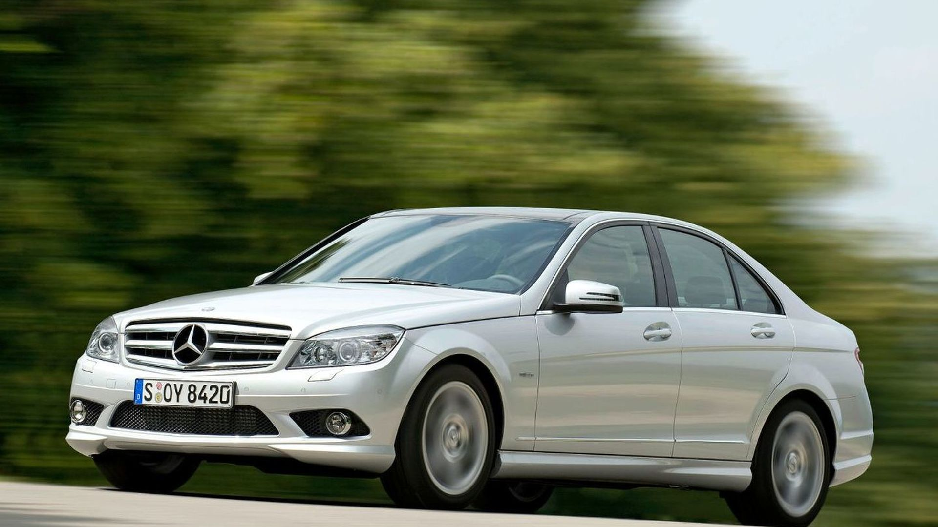 Mercedes adds new engines to C-Class BlueEFFICIENCY range