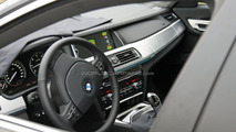 2012 BMW 7-Series facelift spied during police stop with interior shot