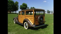 Ford Deluxe Woodie Station Wagon
