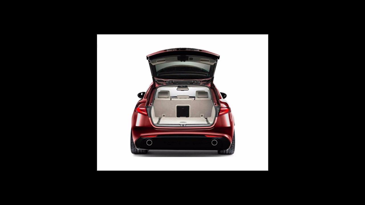 Alfa Romeo Giulia wagon - tailgate open