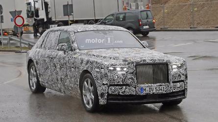 2018 Rolls-Royce Phantom prototype sheds more camo
