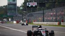 Vandoorne to race for McLaren, Button takes sabbatical