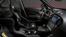 Nissan Juke-R: Handling [video]