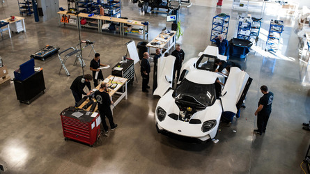 First 2017 Ford GT rolls off the line in Canada