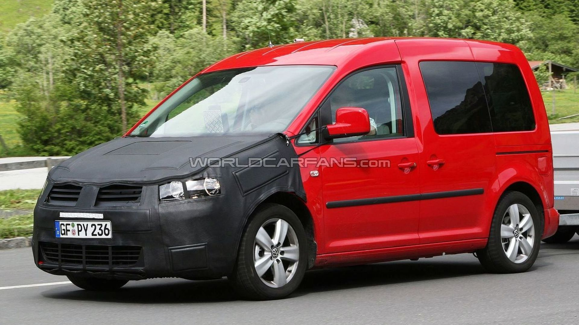 vw caddy facelift first spy photos. Black Bedroom Furniture Sets. Home Design Ideas